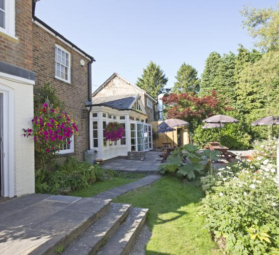 Red Lion - Chelwood - Exterior - Garden